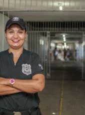 Sejus homenageia agentes penitenciárias do sistema prisional cearense